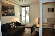 Furnished and renovated apartment to rent for the week sleeps 2 to 4 rue de Vertbois Paris 3rd