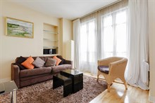 furnished apartment to rent sleeps 4 between Saint Germain and Saint Michel Paris 5th district