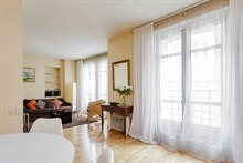 spacious apartment to rent sleeps 4 between Saint Germain and Saint Michel