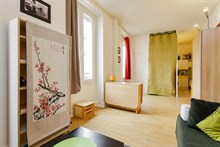 Short-term studio flat rental for 2 guests, rue Doudeauville Paris 18th