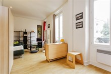 Monthly studio flat rental for 2 3 guests, rue Saint Charles Paris 18th