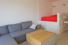 Short sabbaticals, furnished studio apartment with terrace in Paris 15th district