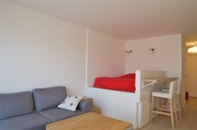 Authentic Parisian Studio apartment for business stays in Paris 15th near Montparnasse, monthly stays