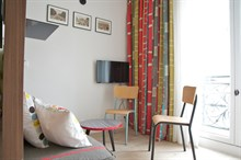 Holiday rental in Paris 1st arrondissement, long-term stays in studio turn-key flat with plenty of privacy in calm area