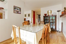 Monthly apartment rental for 2 guests with one bedroom, Porte de Saint Cloud, Near Paris