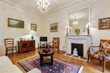 Honeymoon apartment rental near famous Passy village with romantic bedroom, wifi, Paris 16th