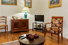 Holiday rental in Paris 16th arrondissement, long-term stays in 2-room turn-key flat with plenty of privacy in calm area