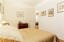 Authentic Parisian 1-bedroom apartment for business stays in Paris 16th on rue Lekain, monthly stays