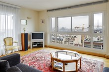 Furnished short-term rental 4-room apartment for 4 near Montparnasse Tower, Paris 15th