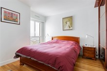 Monthly rental of a 4-room apartment for 4 in a modern building near Montparnasse Tower, Paris 15th