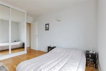 Affordable, Beautiful, furnished, 4-person apartment available for weekly rental near Montparnasse Tower, Paris 15th