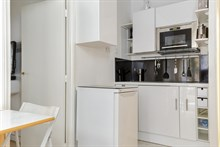 Spacious 2 room for monthly stays with washer & drier and kitchen, Paris 10th near Saint-Michel