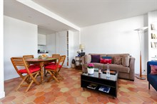 Distinctive 1-bedroom flat w/ terrace for 2 or 4 guests near Montparnasse Tower Paris 15th, short-term