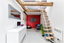 Furnished, turn-key studio for 2 to 3 guests for weekly or monthly rental in le Marais, Paris 3rd