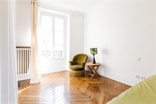Short term 3 room apartment rental for 2 or 3 at Villiers Paris 17th district