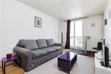 Short term apartment rental for 4 near Issy City Hall (Marie d'Issy) near Paris, Metro line 12