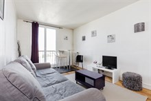 Long term apartment for rent near Paris in Issy-Les-Moulineaux, 3 rooms, sleeps 6