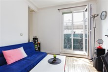 Vacation rental for 2 or 3 people in Paris for short or long term w balcony near metro at Daumesnil in 12th Arrondissement