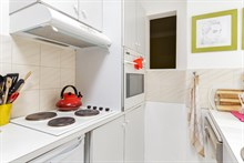 Short-term rental of a generously-sized, furnished apartment for 2 or 3 Commerce quarter, metro Motte-Picquet-Grenelle, Paris 15th