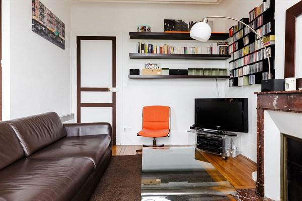 le montrouge appartement moderne de 2 chambres avec superbe terrasse montrouge my paris agency. Black Bedroom Furniture Sets. Home Design Ideas