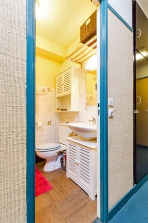 la bulle studio moderne optimis pour un s jour en face de montparnasse paris 15 me my. Black Bedroom Furniture Sets. Home Design Ideas