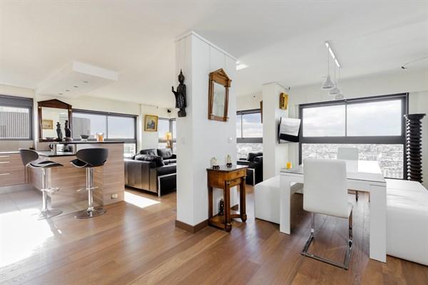 le beaugrenelle immense appartement de 2 pi ces design. Black Bedroom Furniture Sets. Home Design Ideas