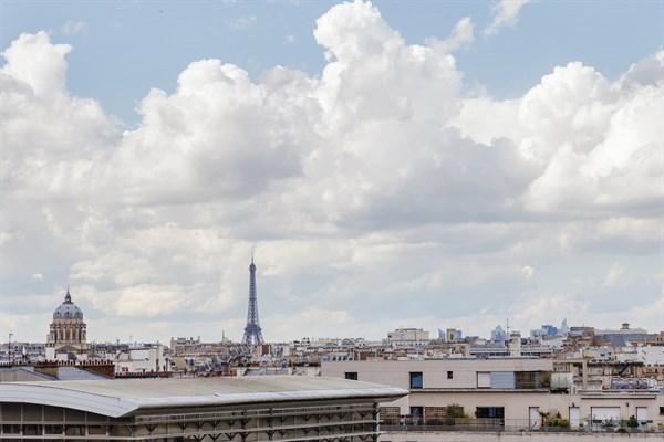Gobelins f2 refait neuf pour 4 avec balcon filant et vue panoramique aux gobelins paris - Location meublee la rochelle ...