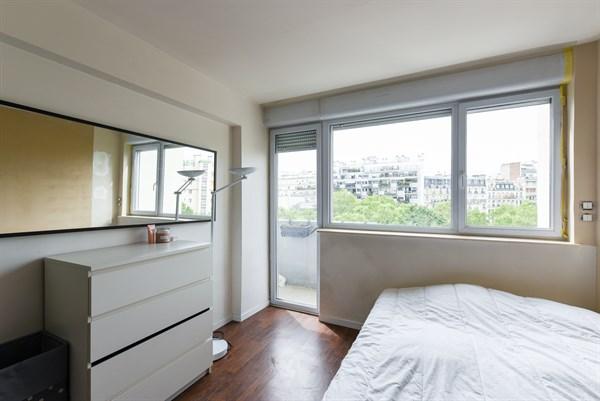 le molitor bel appartement de 2 pi ces moderne pour 2 avec balcon auteuil paris 16 me my. Black Bedroom Furniture Sets. Home Design Ideas
