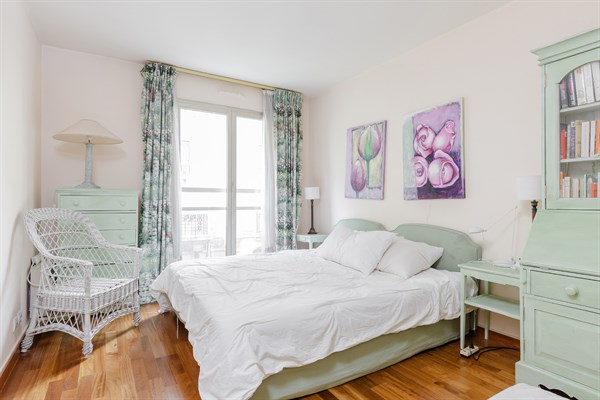 Le longchamp splendide appartement de 2 chambres avenue for Chambre au mois paris