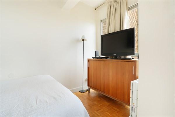 l 39 el gant appartement de 2 pi ces avec balcon et vue panoramique richard lenoir paris 11 me. Black Bedroom Furniture Sets. Home Design Ideas