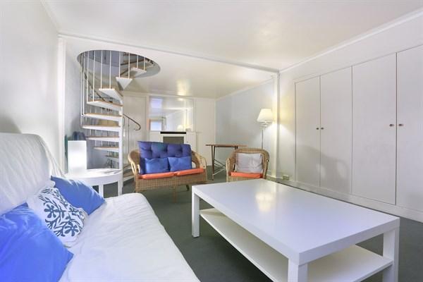 duvernet ancien atelier d 39 artiste de 2 pi ces en duplex sur 44 m2 denfert rochereau paris. Black Bedroom Furniture Sets. Home Design Ideas
