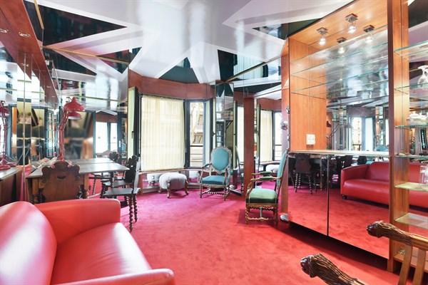 chardon lagache appartement atypique avec jeux de miroir louer pour 2 auteuil paris 16 me. Black Bedroom Furniture Sets. Home Design Ideas