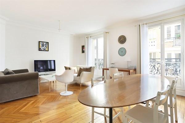 l 39 invitation magnifique appartement de 3 pi ces denfert rochereau paris 14 me my paris agency. Black Bedroom Furniture Sets. Home Design Ideas