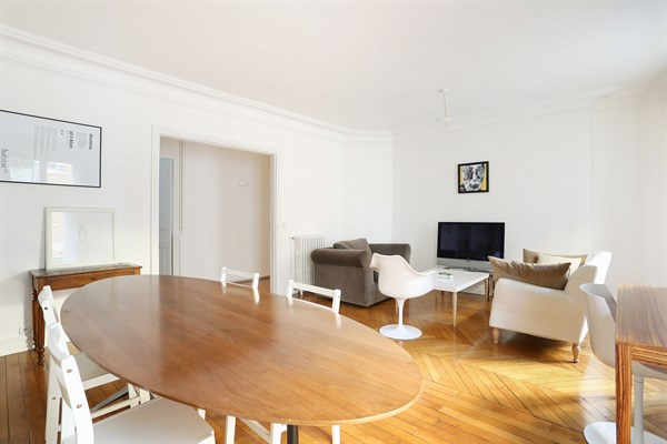 L 39 invitation magnifique appartement de 3 pi ces denfert rochereau paris 14 me my paris agency for Location meublee courte duree paris