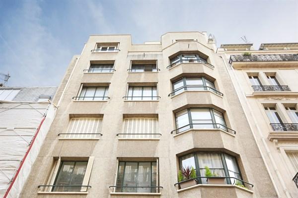 le ranelagh magnifique appartement de 2 pi ces situ rue de siam paris le 16 me my paris agency. Black Bedroom Furniture Sets. Home Design Ideas