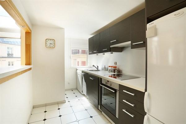 laugier duplex atypique et moderne de 84 m2 avec 2 chambres doubles pereire paris 17 me my. Black Bedroom Furniture Sets. Home Design Ideas