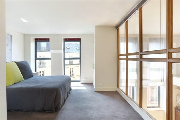Laugier duplex atypique et moderne de 84 m2 avec 2 for Duplex appartement atypique