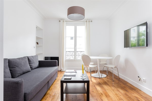 madrid magnifique appartement de 2 pi ces louer au mois et refait neuf pour 2 neuilly. Black Bedroom Furniture Sets. Home Design Ideas