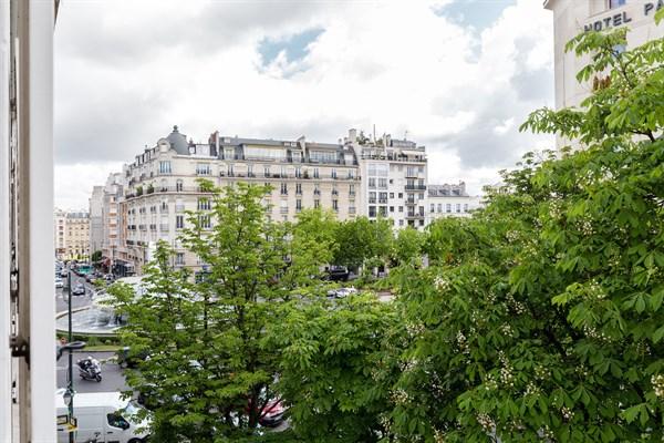Madrid magnifique appartement de 2 pi ces louer au for Appart hotel paris location au mois