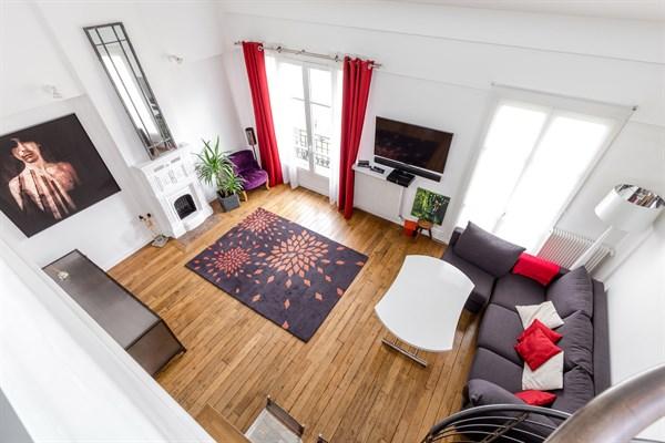 duplex 13 magnifique duplex de 2 chambres pour 6. Black Bedroom Furniture Sets. Home Design Ideas