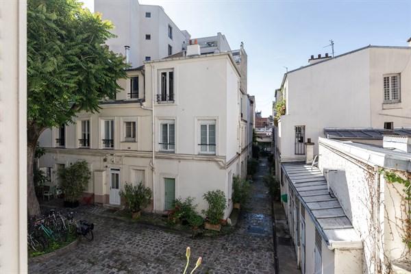 Felix faure appartement de 2 pi ces moderne sur cour for Location appartement meuble sur paris