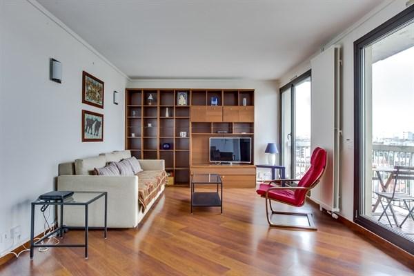 Plein coeur grand appartement familial de 2 chambres avec balcon et vue saint ouen my - Location meublee saint malo ...
