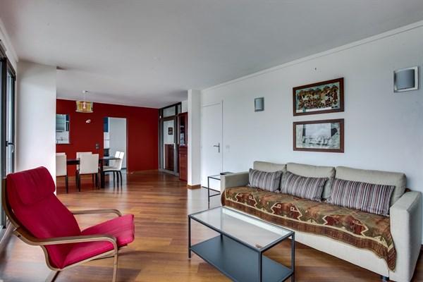 Plein coeur grand appartement familial de 2 chambres - Location chambre paris courte duree ...