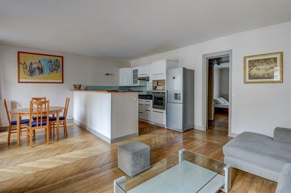 maubeuge spacieux f3 avec 2 chambres rue rocroy. Black Bedroom Furniture Sets. Home Design Ideas