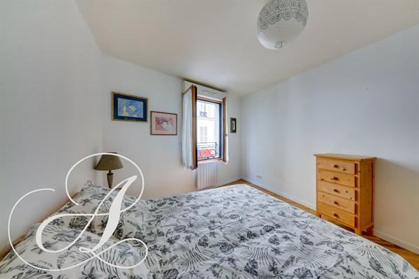 vinaigriers appartement confortable louer au mois. Black Bedroom Furniture Sets. Home Design Ideas