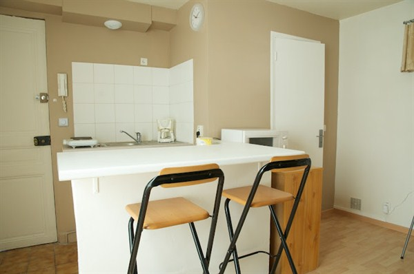 le pernety studio agr able situ dans le 14 me arrondissement pernety my paris agency. Black Bedroom Furniture Sets. Home Design Ideas