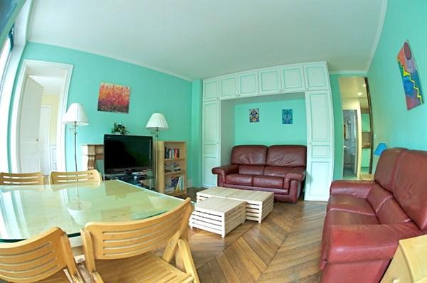 le montparnasse splendide 3 pi ces louer pour 5 personnes dans le 14 me arrondissement my. Black Bedroom Furniture Sets. Home Design Ideas