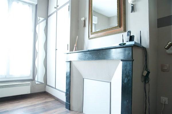 les epinettes agr able 2 pi ces pour 2 louer en meubl. Black Bedroom Furniture Sets. Home Design Ideas