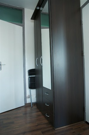 les epinettes agr able 2 pi ces pour 2 louer en meubl dans le 17 me arrondissement my. Black Bedroom Furniture Sets. Home Design Ideas