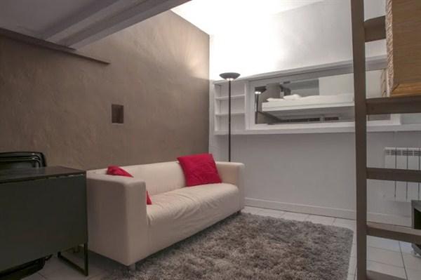 Le bonne nouvelle studio atypique en mezzanine proche for Louer studio meuble paris